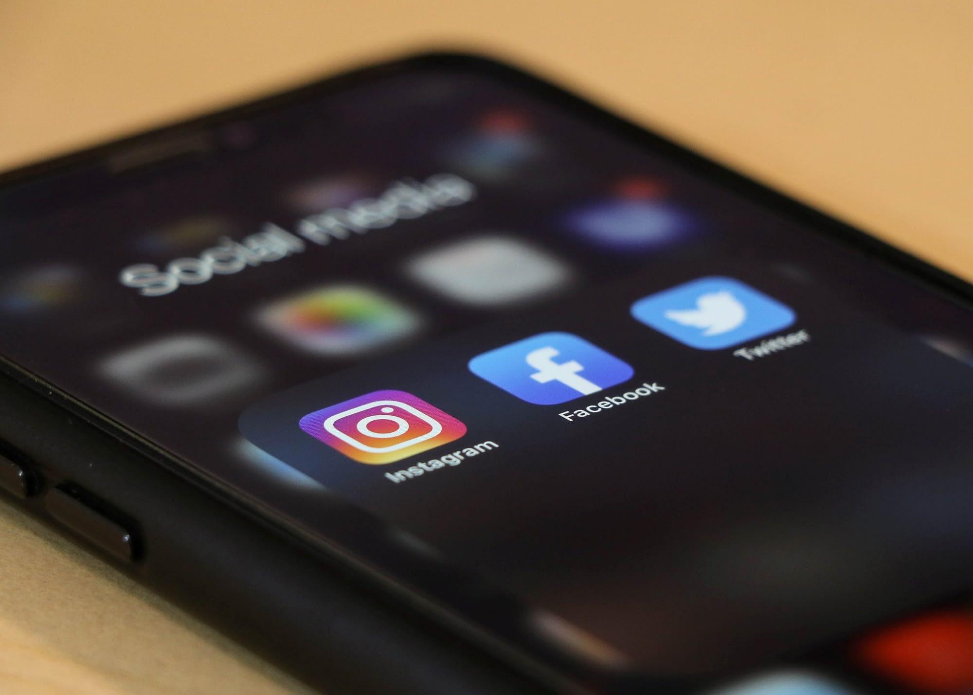 no social media presence