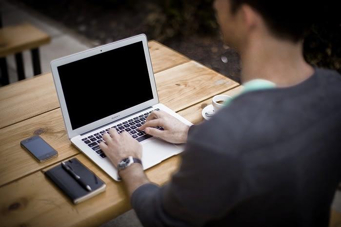 blogger laptop best sports websites